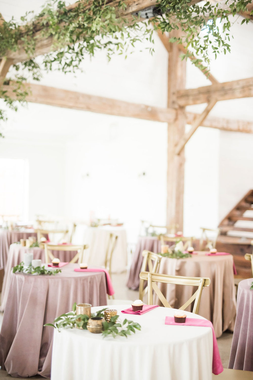 VELVET LINENS WEDDING INSPIRATION THE MEEKERMARK HOUSTON WEDDING VENUE PLANNER DESIGNER EPOCH CO+ DESTINATION WEDDINGS