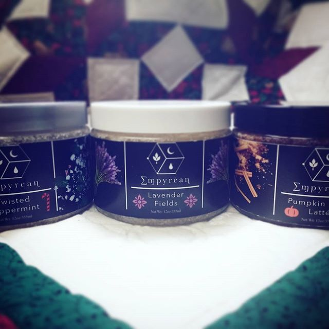 🌬️🌲 Stock up on moisturizing shea butter body scrubs made with essential oils and organic sugar. Perfect for the holidays~❄️🛁 #holidays #giftideas #skincareroutine #skincare #bathbomb #bathtime #doterra #essentialoils #summer #luxuryskincare #empyreanbodyessentials #soapmaking #handmade #coconutoil #coconut #luxurylifestyle #sheabutter #bodyscrubs #lush #fragrancefree #slsfree #allnaturalbeauty #allnatural #ethicalfashion #soap #brambleberry #koreanskincare