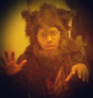 Sometime in the last decade I appear to have turned into a Werewolf. A cute one that looked more like a Teddy Bear. My (now) wife pinned these bits of fake fur together in 5 minutes (she's so rad!). #halloween #halloweencostume #werewolf #cute #teddybear #tbtuesday