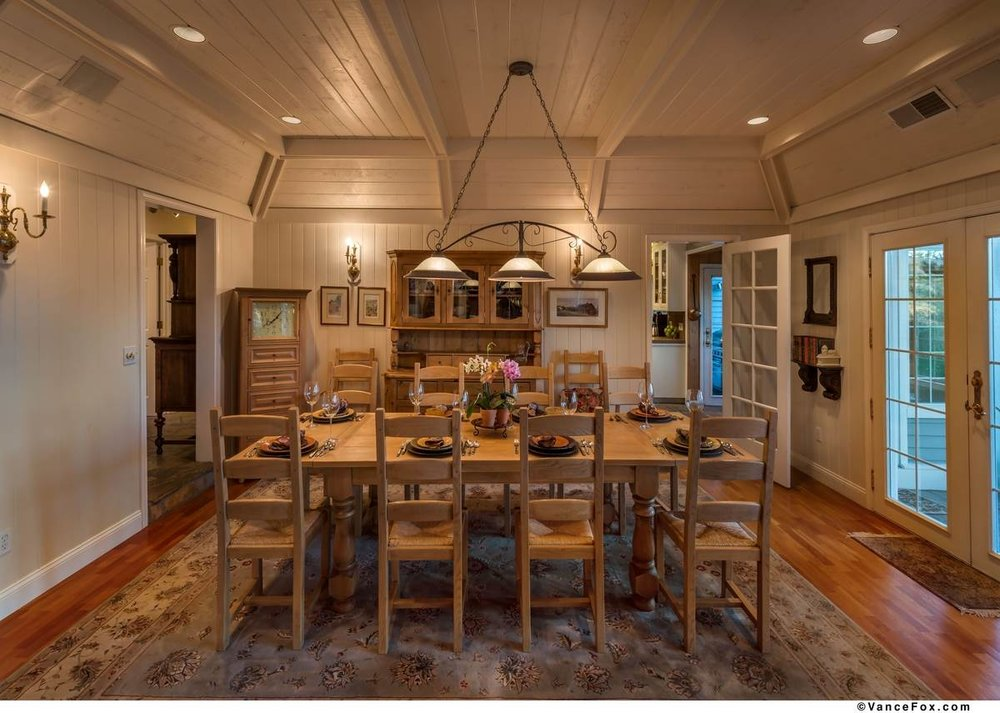 Truckee Country Dining Room