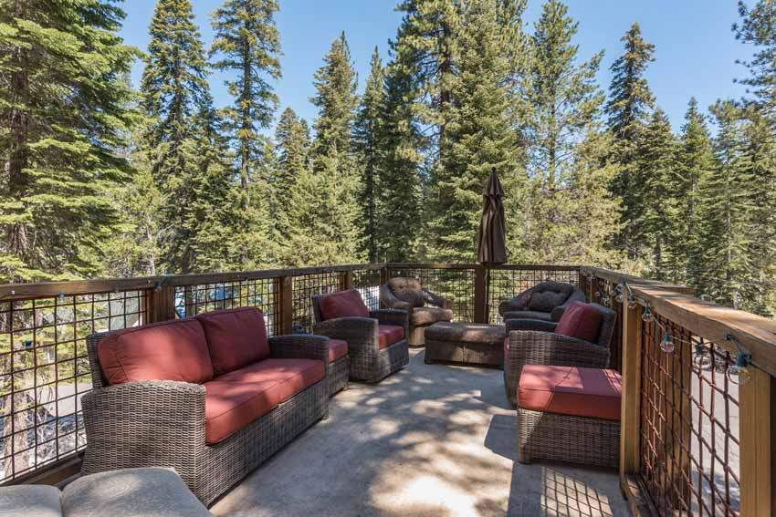 SOLD! Minutes From Donner Lake