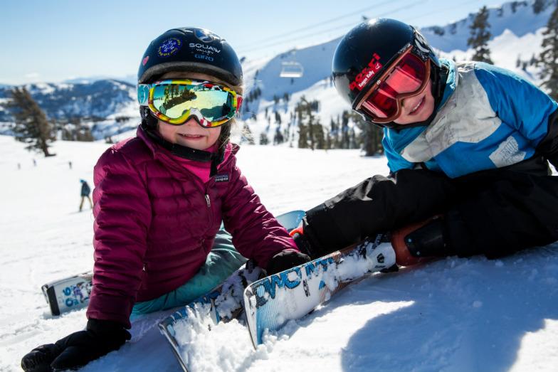 Californias-Best-KidFriendly-Ski-Resorts-05472ab4edf2478195635b3f98bbde1c.jpg