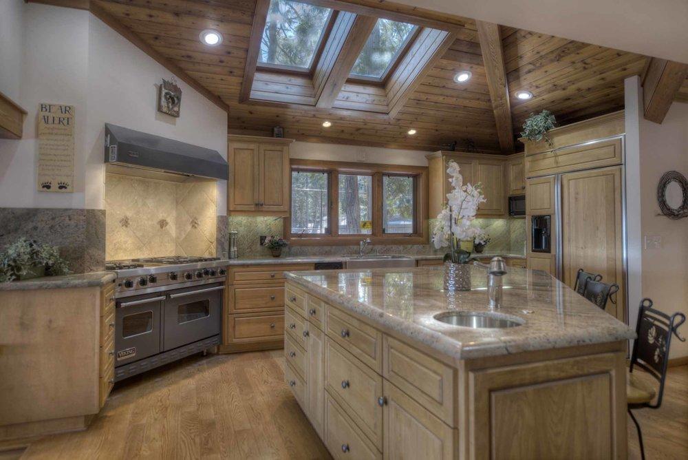 lake tahoe kitchen