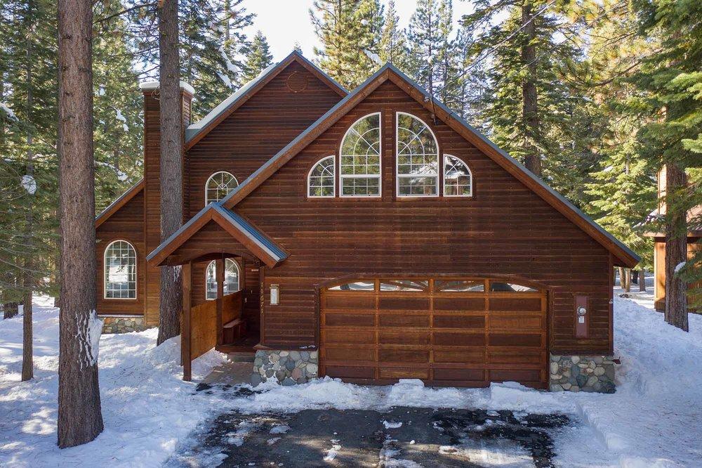 Quiet Tahoe Donner Neighborhood