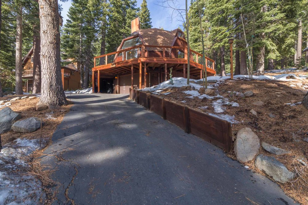 12784 Falcon Point Place_ Tahoe Donner_ Truckee_ CA 96161 (21).jpg