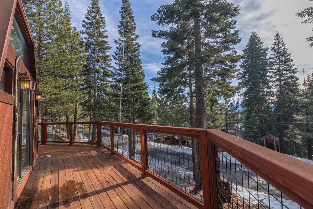 12784 Falcon Point Place_ Tahoe Donner_ Truckee_ CA 96161 (25).jpg
