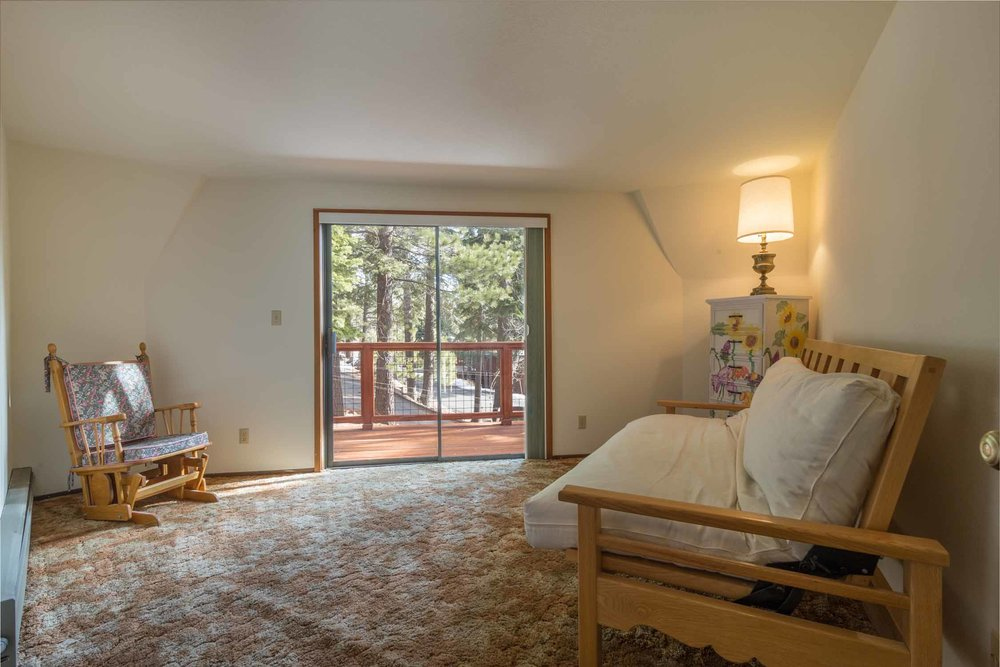 12784 Falcon Point Place_ Tahoe Donner_ Truckee_ CA 96161 (33).jpg