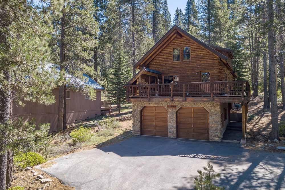 Charming Rustic Tahoe Donner Getaway