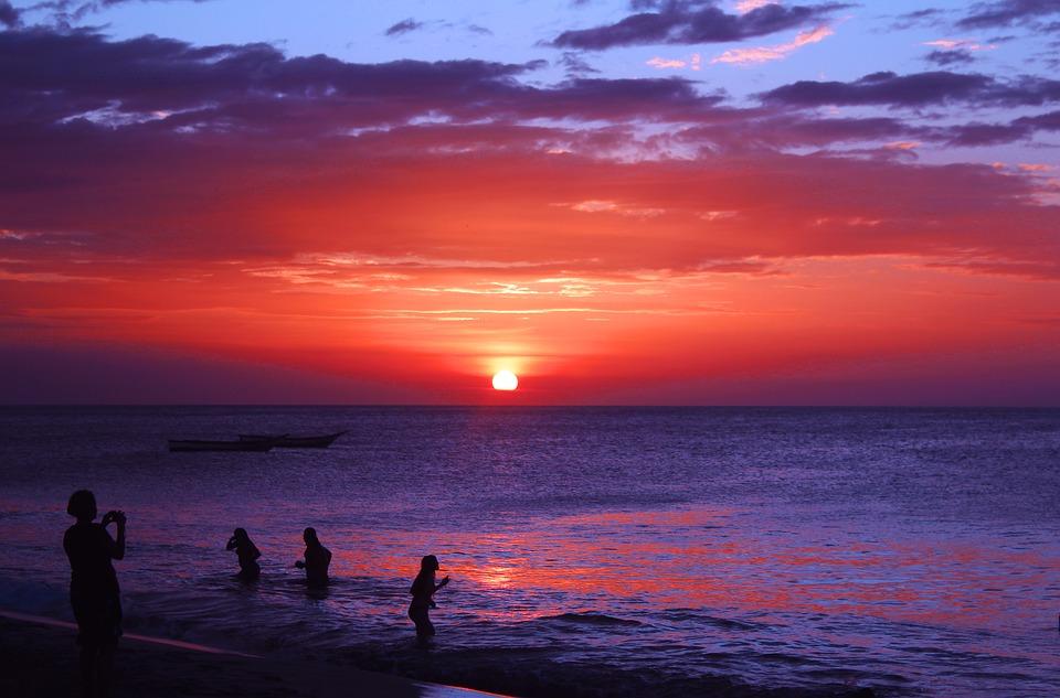 beach-1266177_960_720.jpg