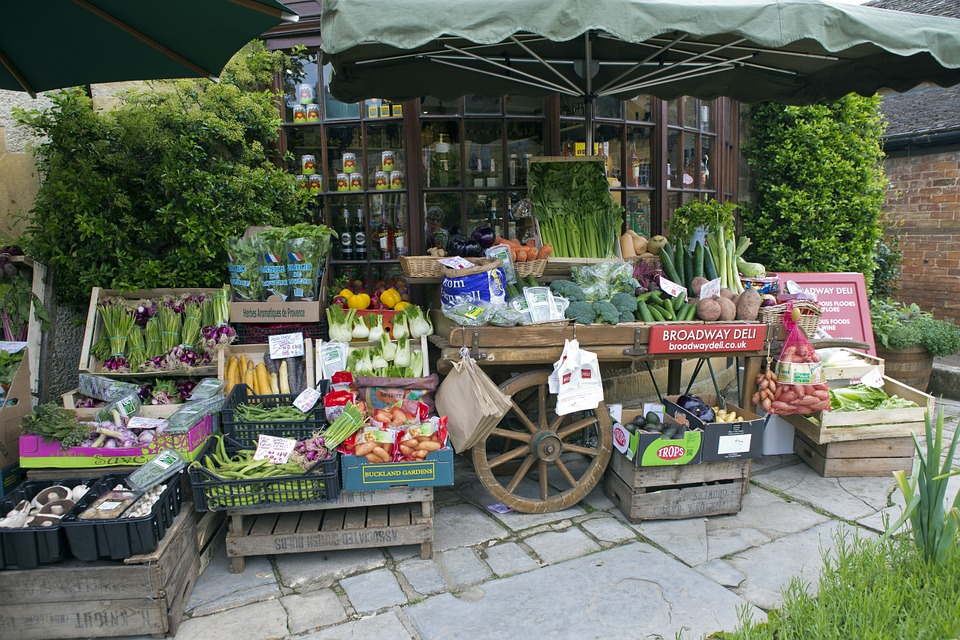 greengrocers-handcart-808965_960_720.jpg