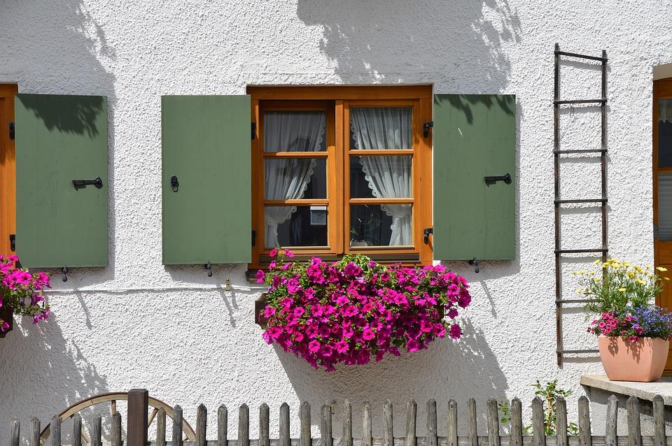 window-1518701_960_720.jpg