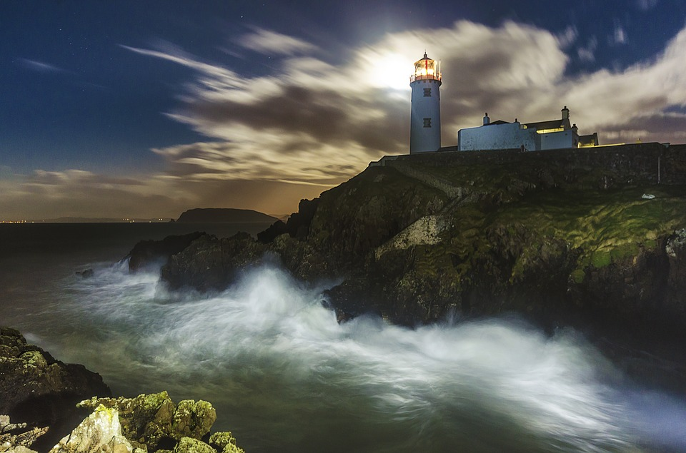 lighthouse-1308348_960_720.jpg