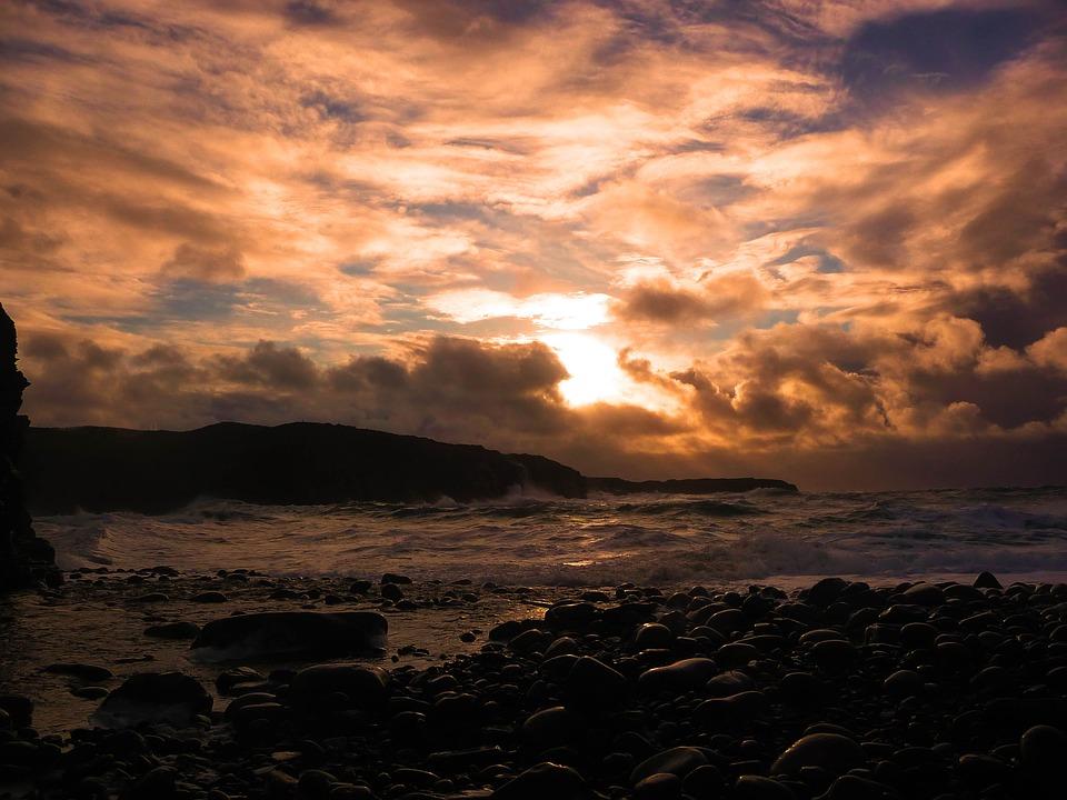 sunset-1553012_960_720.jpg
