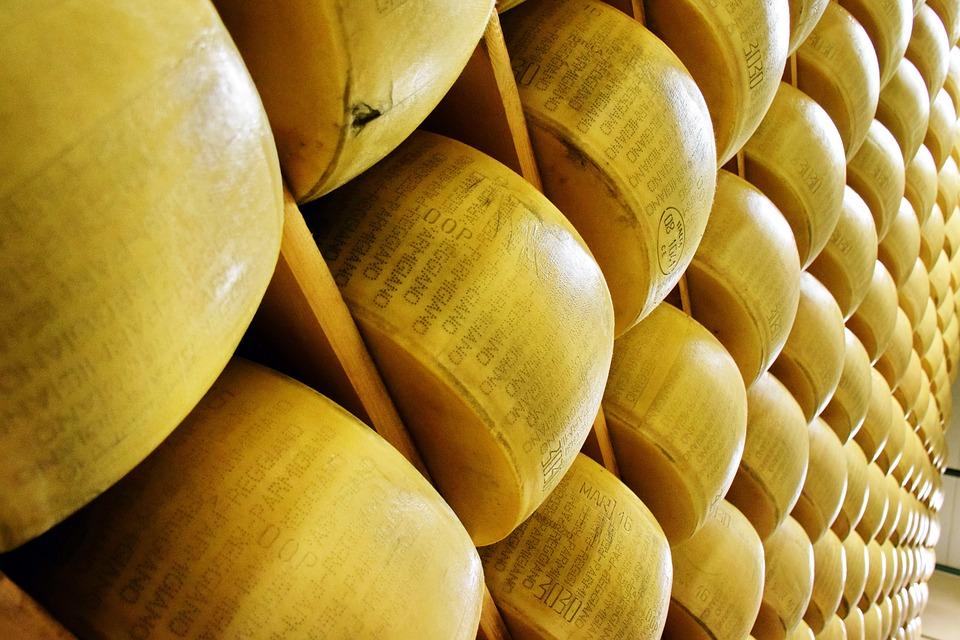 parmigiano-reggiano-1574183_960_720.jpg