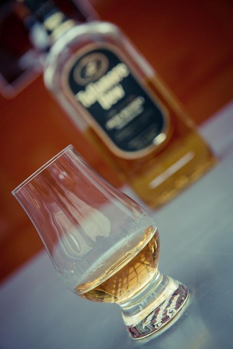 whiskey-1486365_960_720.jpg