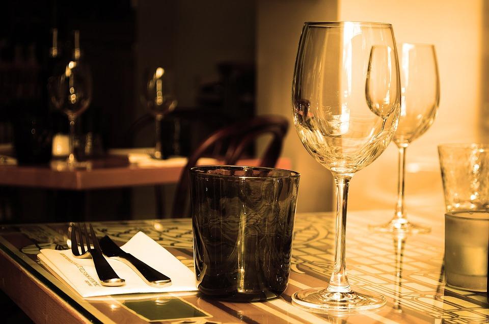table-71380_960_720.jpg