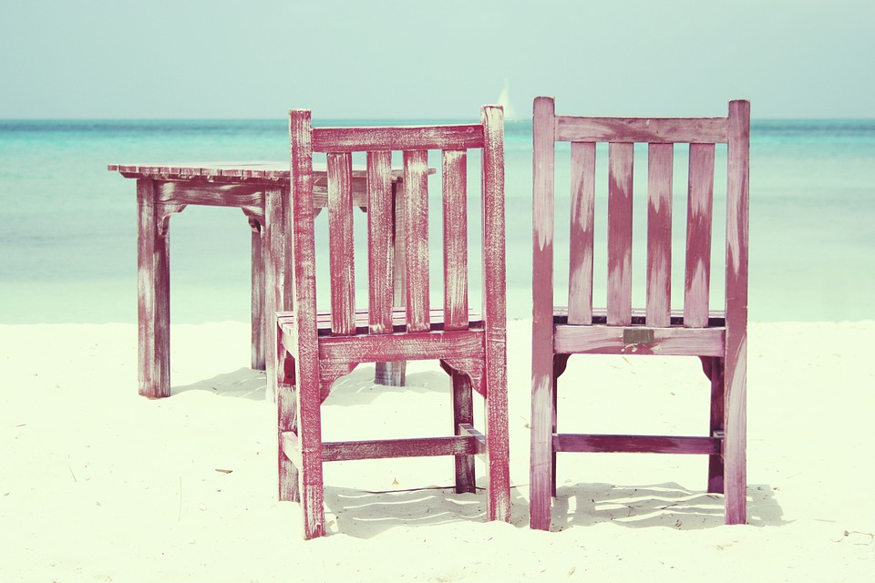 beach-815303_960_720.jpg