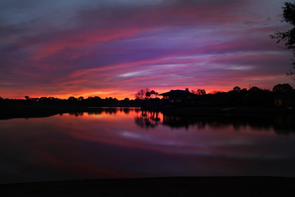 sunset-over-the-golf-course-644474_960_720.jpg