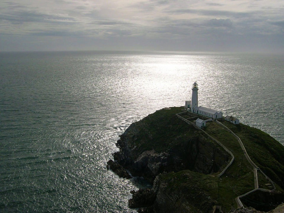 lighthouse-417997_960_720.jpg