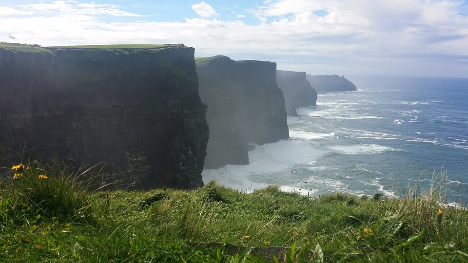 cliffs-of-moher-1683423_960_720.jpg