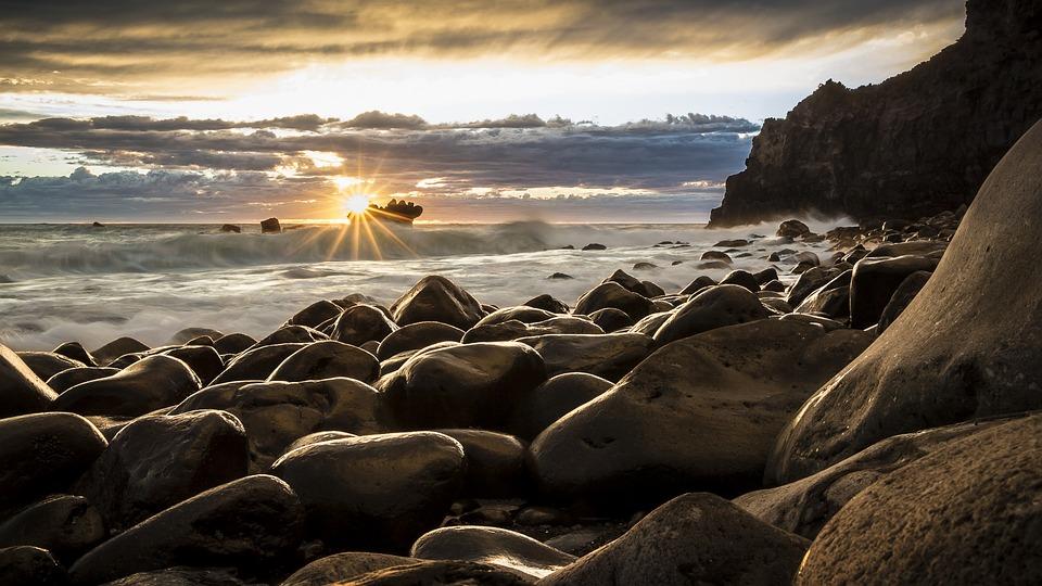 sunrise-1239727_960_720.jpg