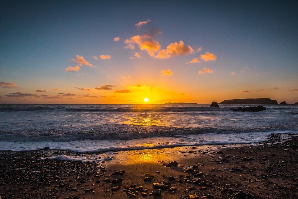sunset-1963903_960_720.jpg