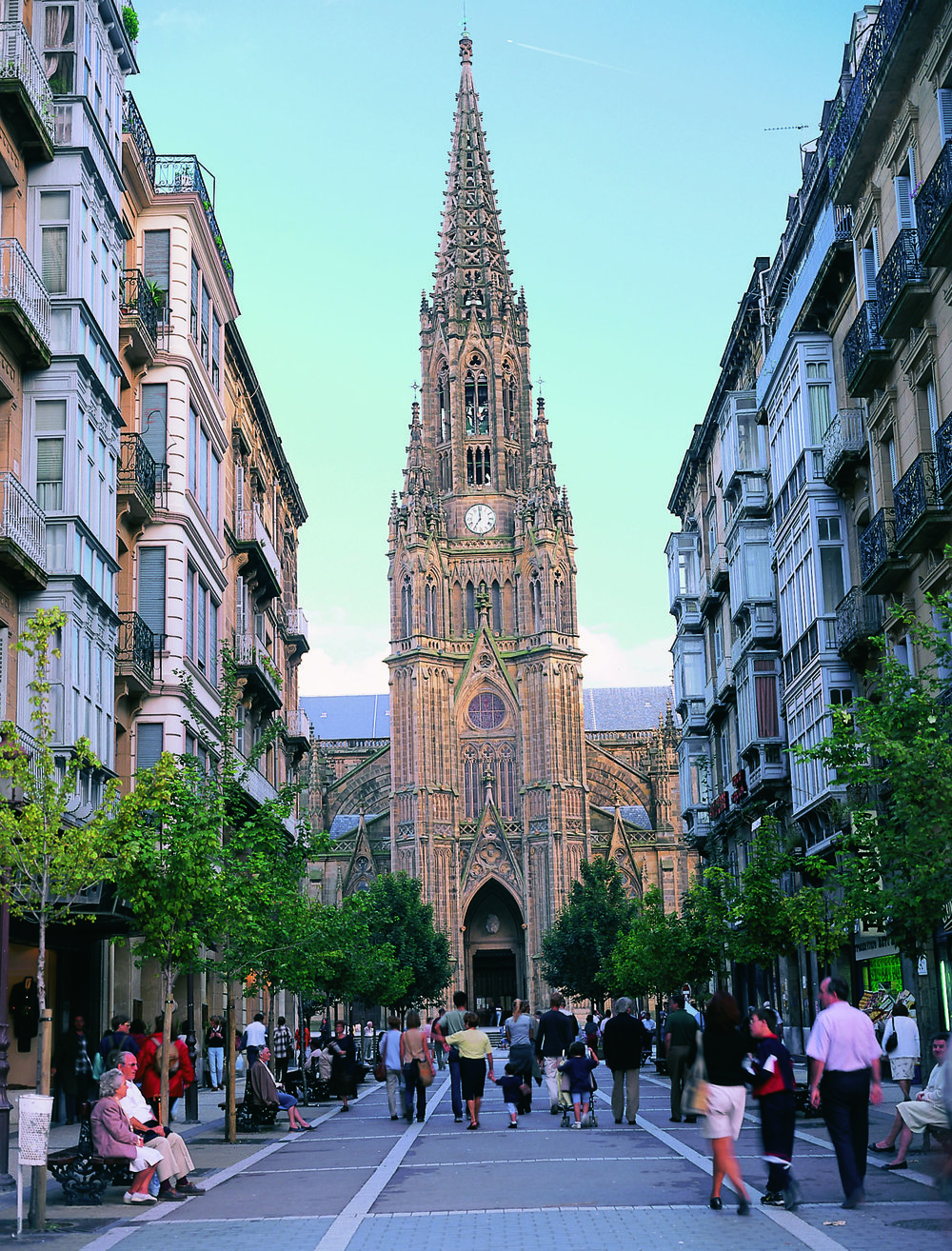 Catedral del Buen Pastor y Calle LoyolaSan Sebastián - 2 MB © Tourist Office of Spain in New York (TURESPAÑA).jpg