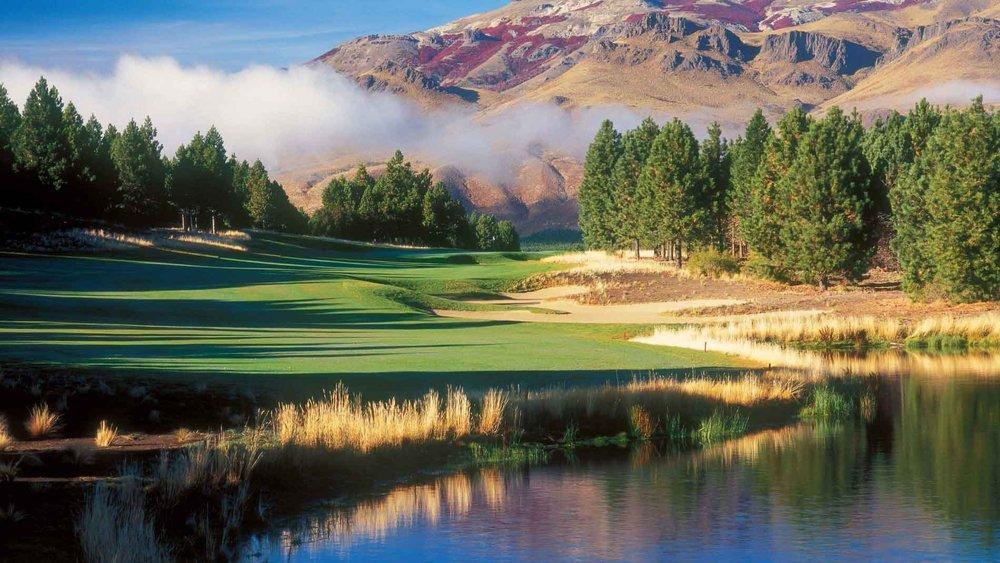 Agentina Golf in Patagonia.jpg