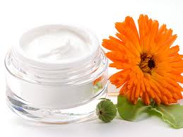 Make soothing calendula face cream