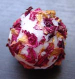 Who can resist this pretty rose petal bath creamer