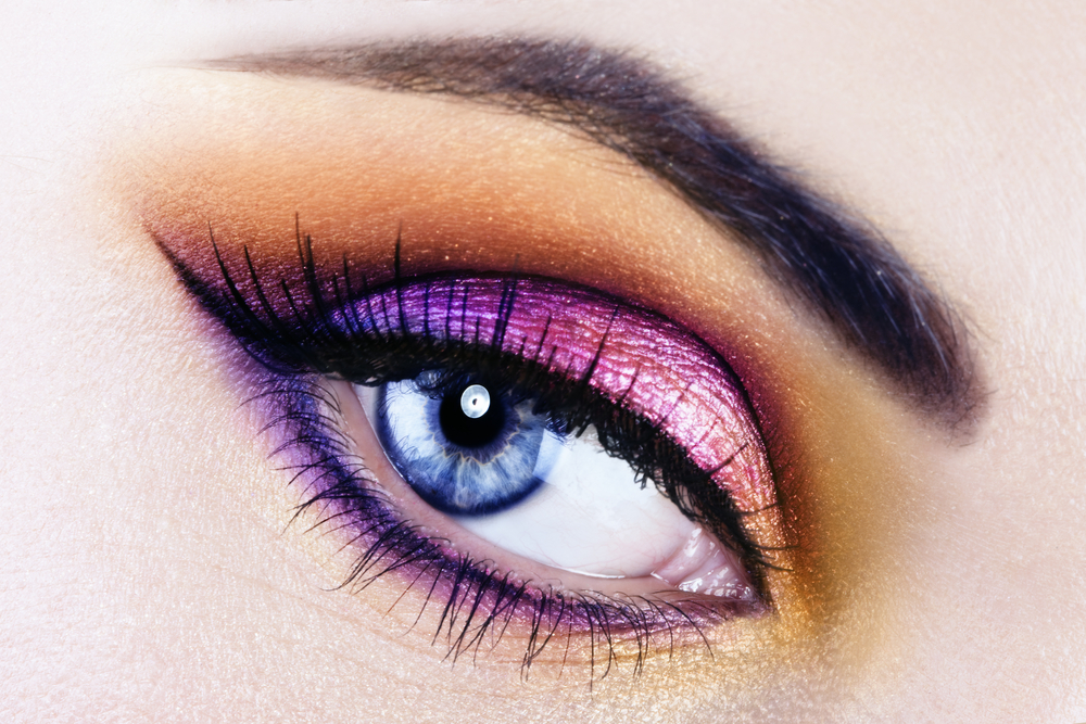 Dramatic eye shadow effect