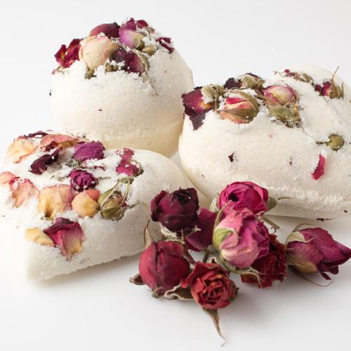 rose bud bath bomb hearts.jpg