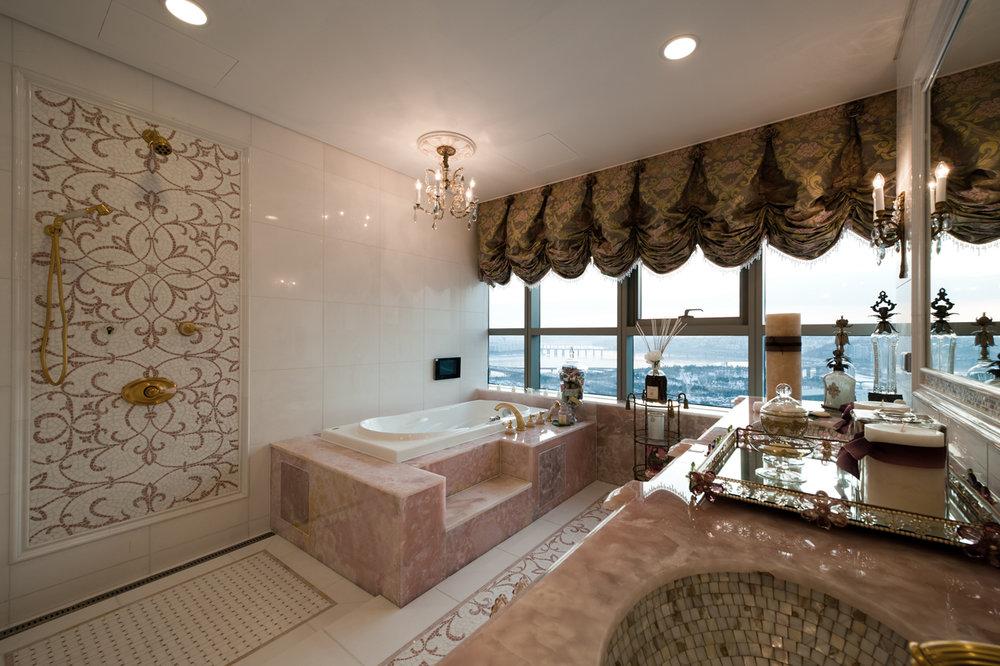 Bathroom_08.jpg