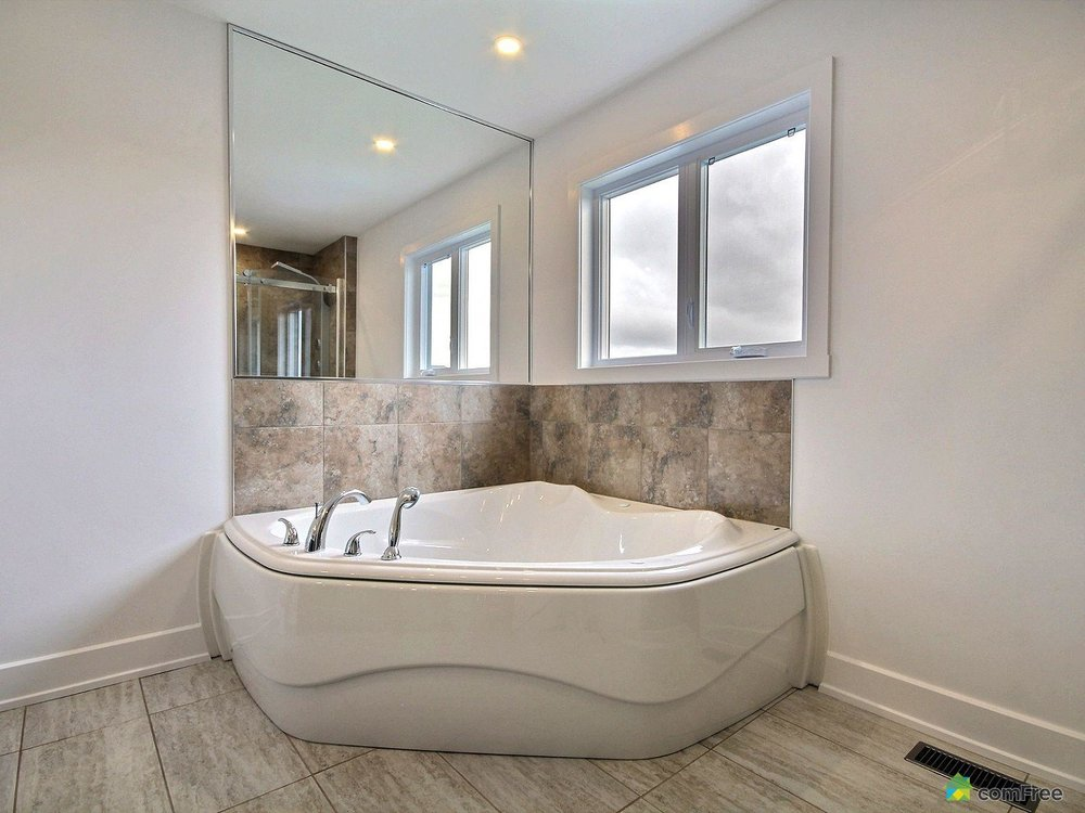 ensuite-new-home-for-sale-rockland-ontario-1600-6589213.jpg