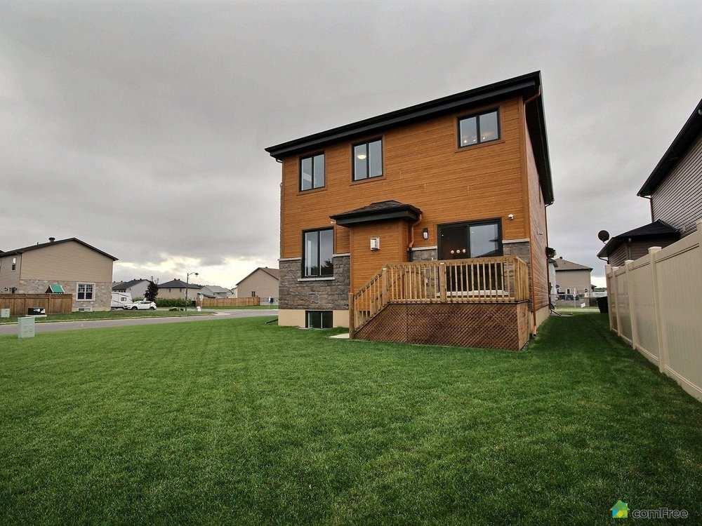 rear-view-new-home-for-sale-rockland-ontario-1600-6589187.jpg