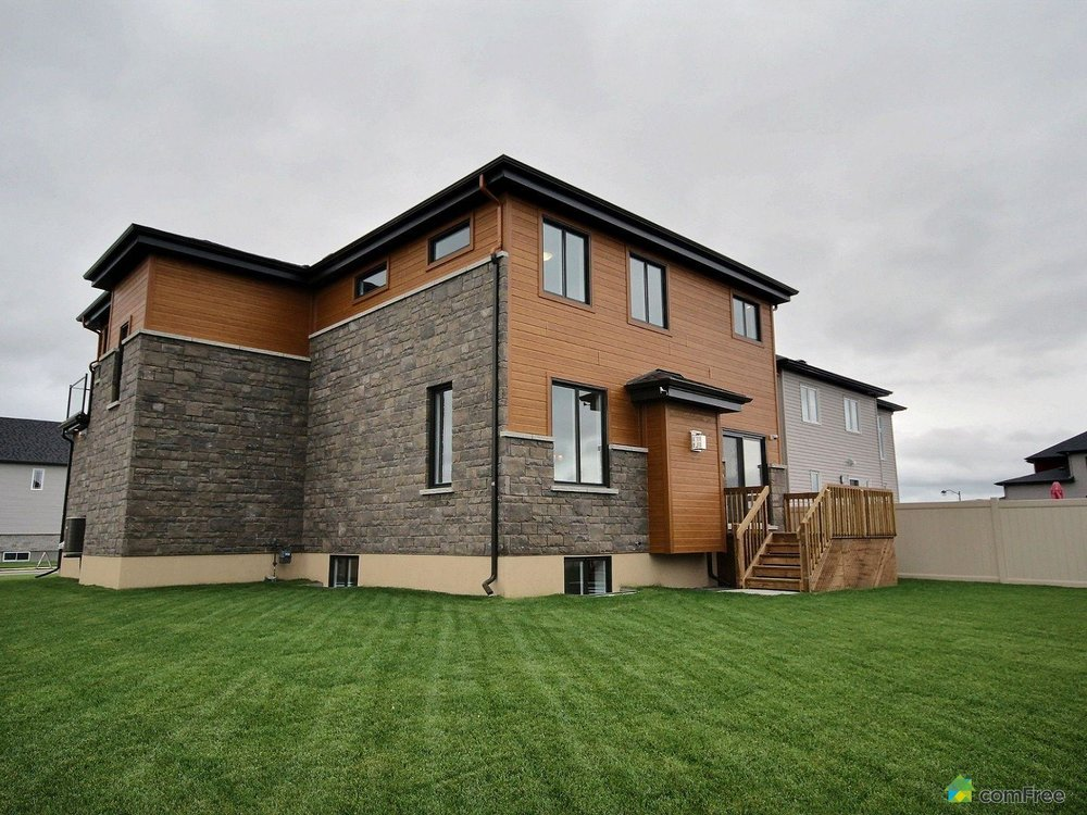 side-view-new-home-for-sale-rockland-ontario-1600-6589188.jpg