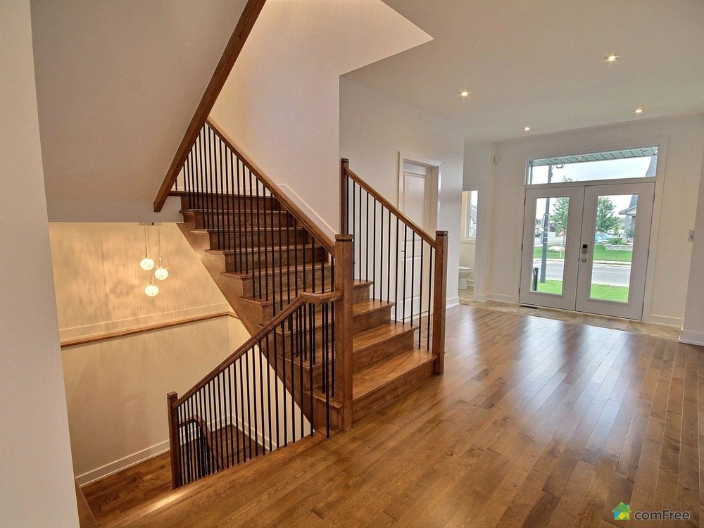 staircase-new-home-for-sale-rockland-ontario-1600-6589197.jpg