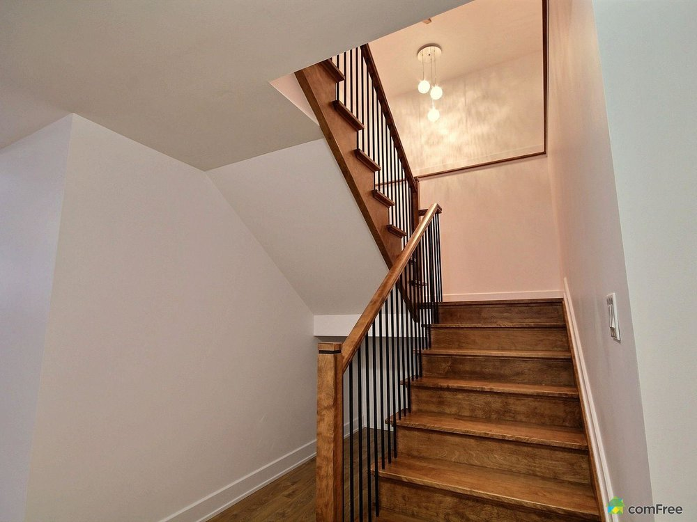 staircase-new-home-for-sale-rockland-ontario-1600-6589222.jpg