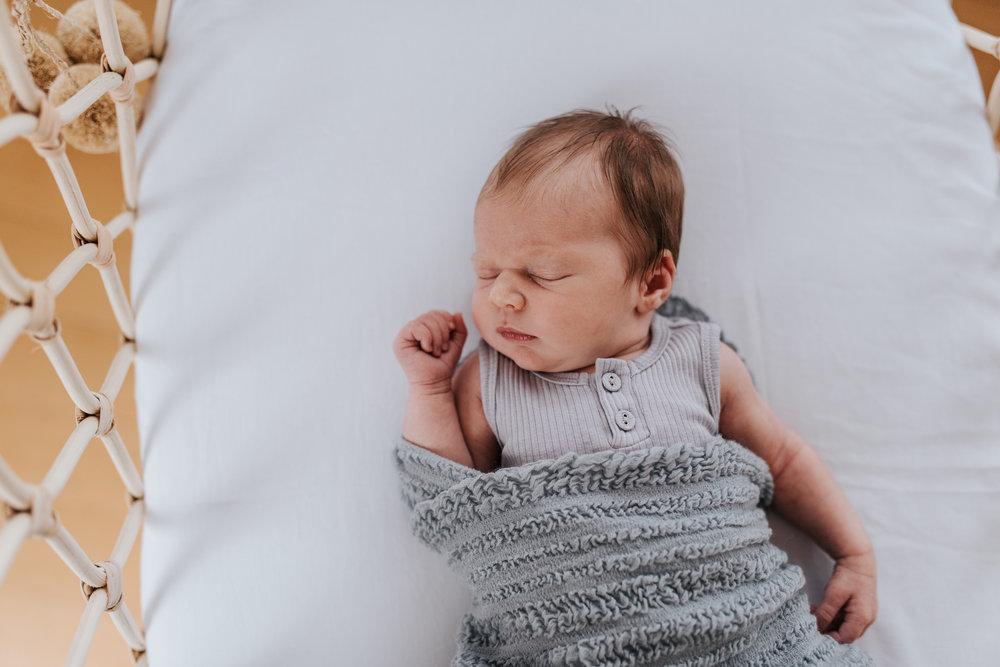 natural and beautiful newborn photography