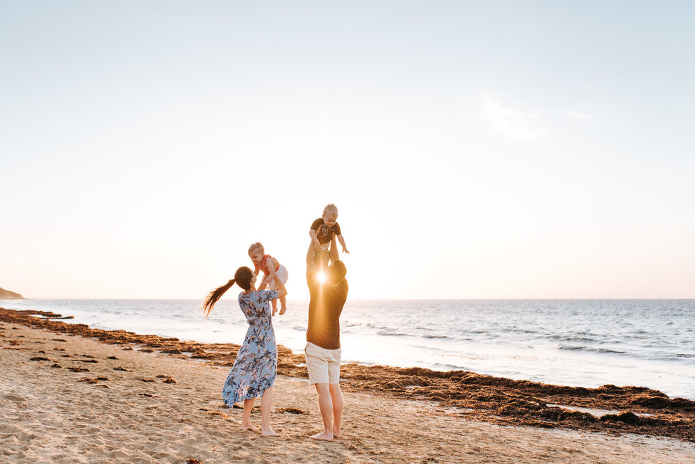professional family photos on the beach in Melbourne