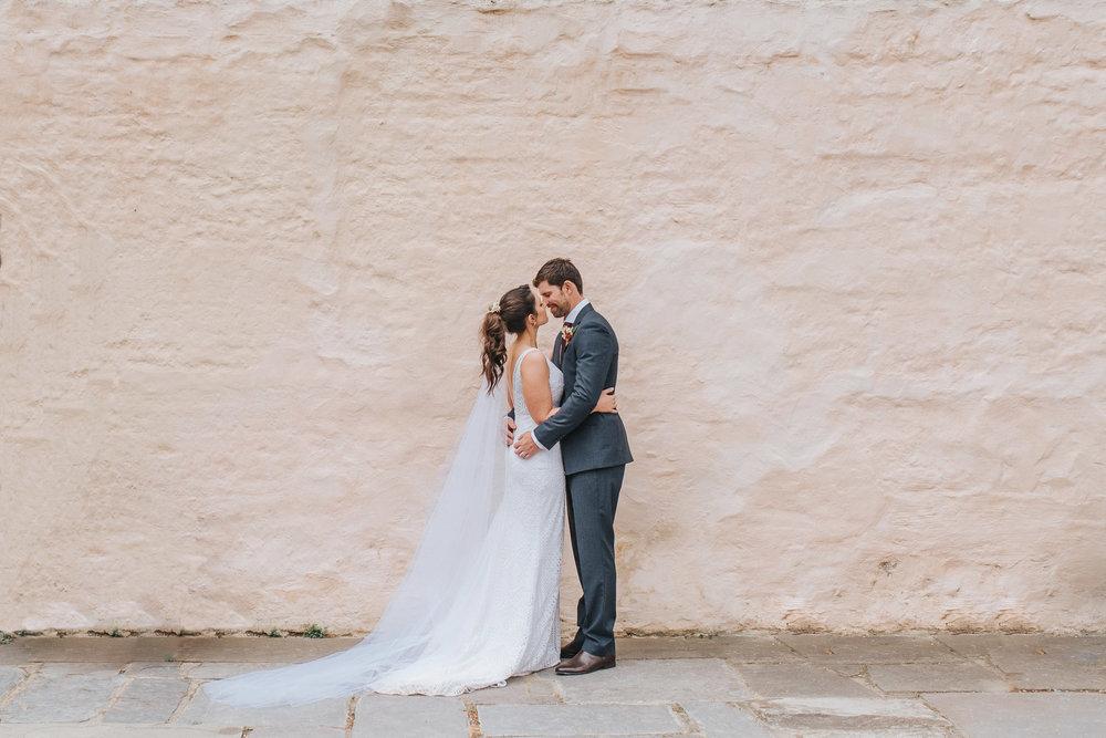 melbourne wedding photography at Montsalvat