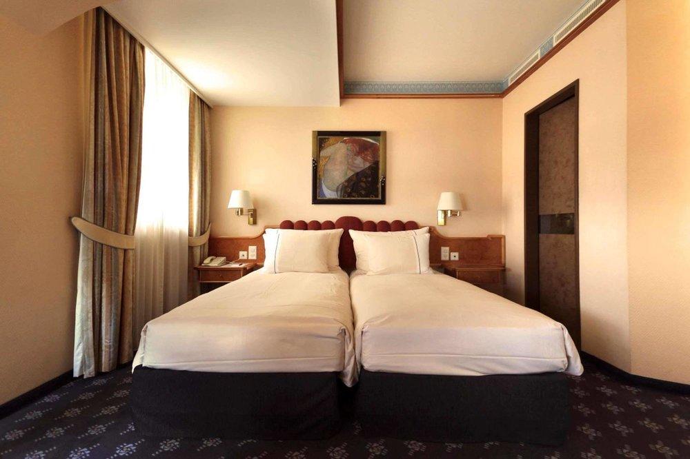 mirabeau-hotel-room-3.jpg
