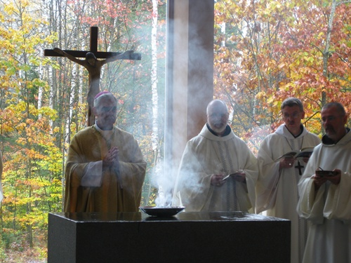 Val Notre-Dame - Altar Consecration !!photo from the Abbey website
