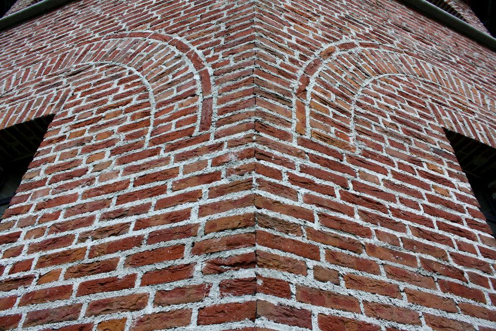 brick-detail--st-joseph-chapel-helmond_8205380310_o.jpg