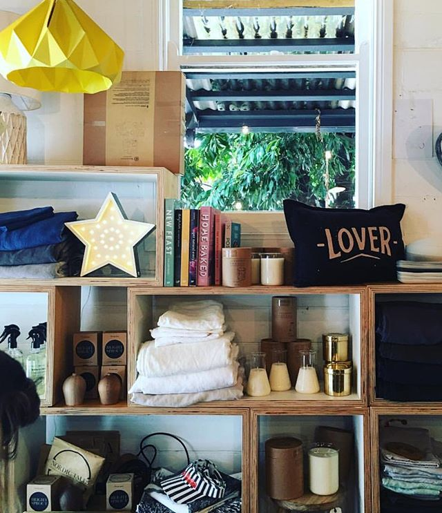 For those still looking for a Fromage Star we have located ONE in Australia.  Please DM me for details 🌟 . . . . #lights #byronbaylighting #marqueelights #weddinglightsbyron #byronbayweddings #signage #byronbaysigns #lovelight #biglights #decorativelights #interiorlighting #interiordesign #interiors #byronstyling #airbnbbyron #byronshopping #neon #neonlights #byronneonlights #byronbayevents
