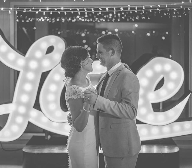 Just a little love to share with you today. If you want something special made for you or someone special, send us a DM. We ca work in natural wood, finished painted or natural, complete with neon and traditional bulbs. Thanks @thelovelightnz & 📸 @photoadventurenz . . . . #lights #byronbaylighting #marqueelights #weddinglightsbyron #byronbayweddings #signage #byronbaysigns #lovelight #biglights #decorativelights #interiorlighting #interiordesign #interiors #byronstyling #airbnbbyron #byronshopping #neon #neonlights #byronneonlights #eventsbyronbay #neonlighting #neonflex #neonsigns #eventsaustralia #eventprops #lightrental #eventproprental