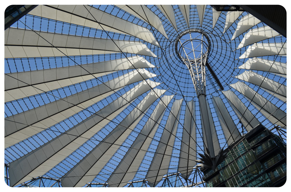 Modern architecture, Sony Center