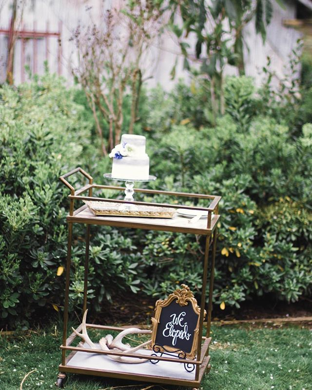 Cute elopement cake by @zestfreshpastrywest / rentals: @blossomfarmvintagerentals / 📸: @bloomphotographyca #TGIF . . . . . photo: @bloomphotographyca venue: @deercreek_wed coordination/silk chiffon/paperie/signage: @tanweddingsandevents florals: @bloomandvine  rentals: @blossomfarmvintagerentals  hair/makeup: @imakebeautiful  cake: @zestfreshpastrywest dress: @enchantedbridalshoppe  models: Mikayla and Josh Shanklin