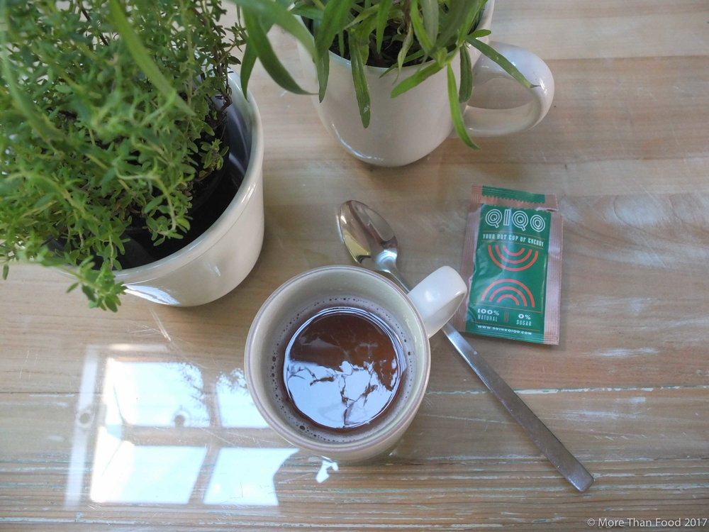Guarana, Mate and granaatappel: QIQO natuurlijk energie drankje. Who needs coffee?