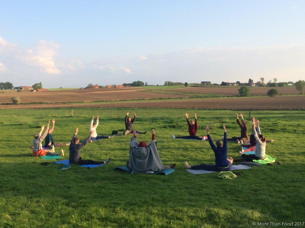 Tao Yoga met Hilde (Bewust bewegen)